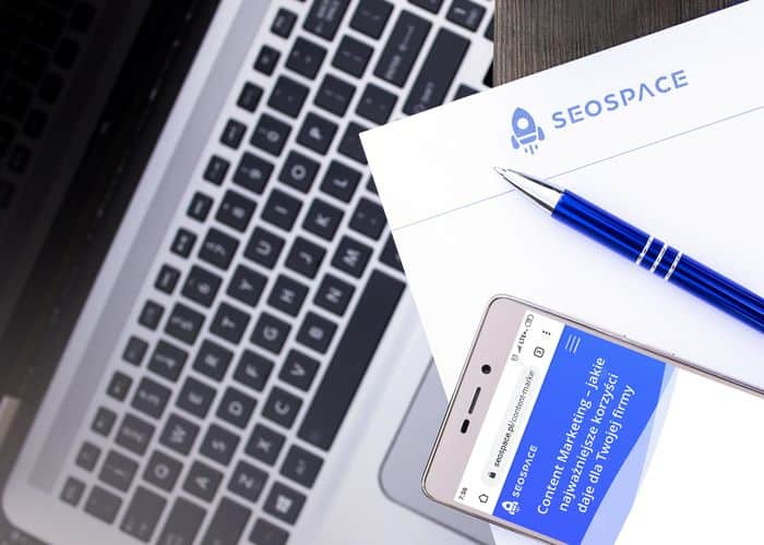 Laptop telefon i notes